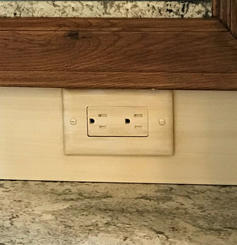 Matching switch plate and outlet to baseboard