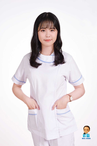 影藝攝影-專業妝髮-護理師個人形象照-白底.jpg