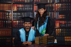 影藝攝影-學碩士照-高雄照相館-專業人像攝影-畢業情侶紀念照-書底