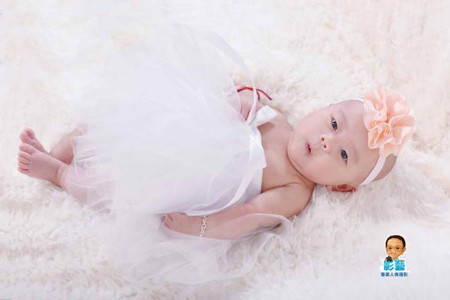 影藝攝影社-嬰兒攝影嘟嘴.jpg