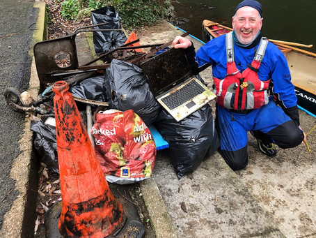 The Great Paddle Peak River Derwent Clean Up.