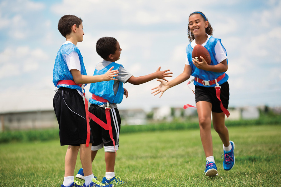 youthSports-flagFootball.jpg