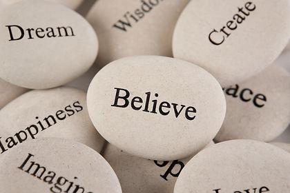 אבנים עם מילות השראה, אמונה, חלומות, יצירה, אושר