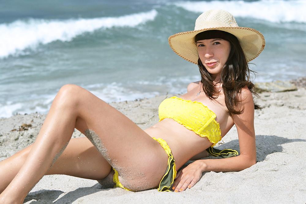 bikini_stars_004.jpg