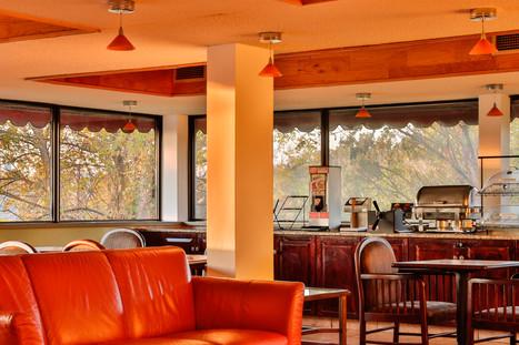 Breakfast Area 7.jpg