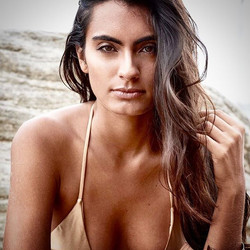 Model Lais close up in bikini photoshoot