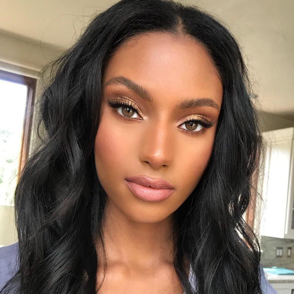 Bronze makeup and gold eyeshadow