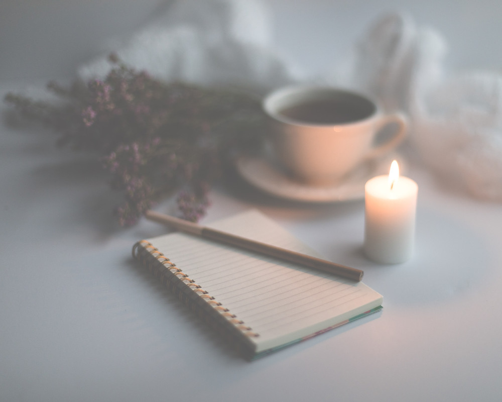 Morning Routine , manifesation tips, how to manifest, journal prompts