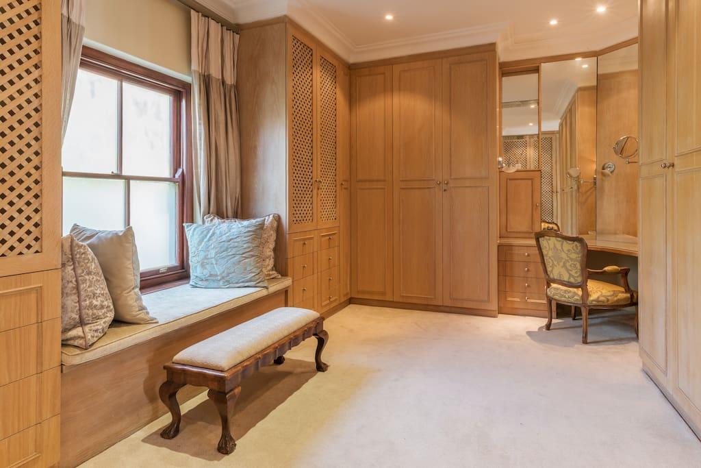 Grand Master Dressing Room