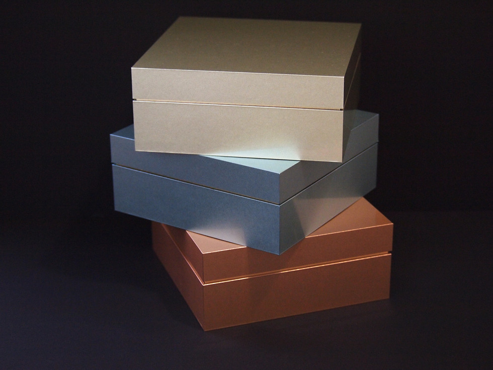 artless gold v-cut box sample 1