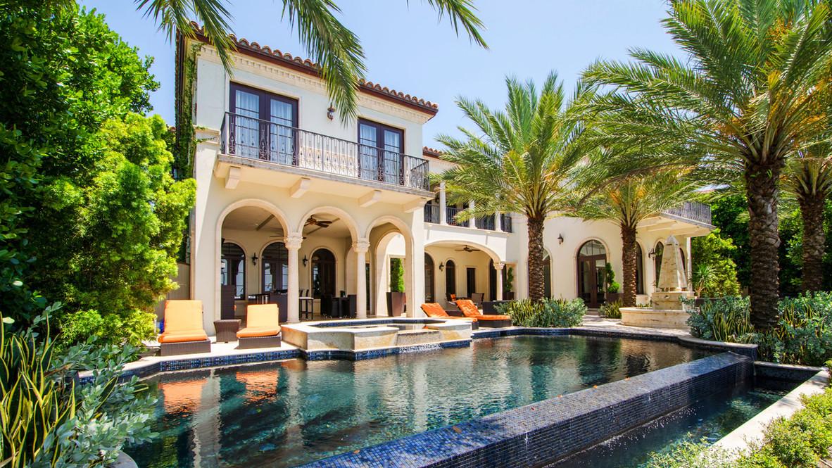 Hero_-_A_six-bedroom_oceanfront_mansion_
