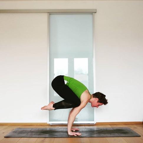 Yoga Pose Bakasana