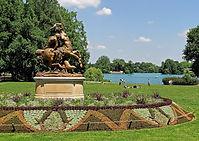 Parc_de_la_Tête_d'Or_Vue_sur_le_lac7.jpg