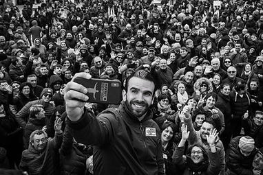 Populismo 56 - Salvini Selfie B&W.JPG.JP
