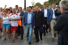 Walking among the crowds in Crimea, 2015