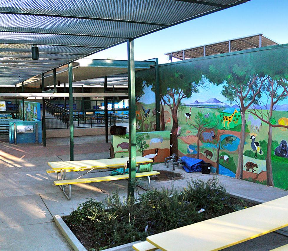 Malibu Elementary School Lunch Courtyard
