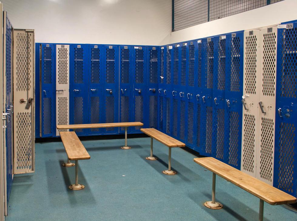 Santa Monica HS North Gym Men's Locker Room