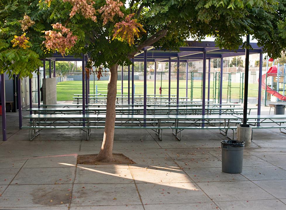 Muir/SMASH Outdoor Eating Area