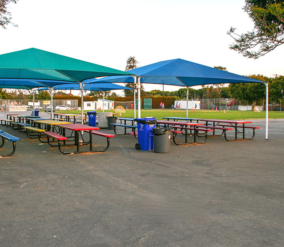Grant Elementary School Outdoor Lunch Area