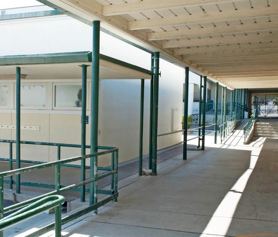 Franklin Elementary School Exterior Hallway