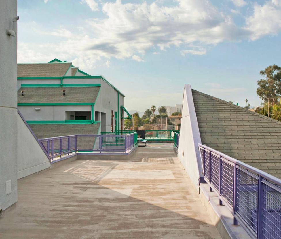 Muir Elementary /SMASH School Exterior Hallway