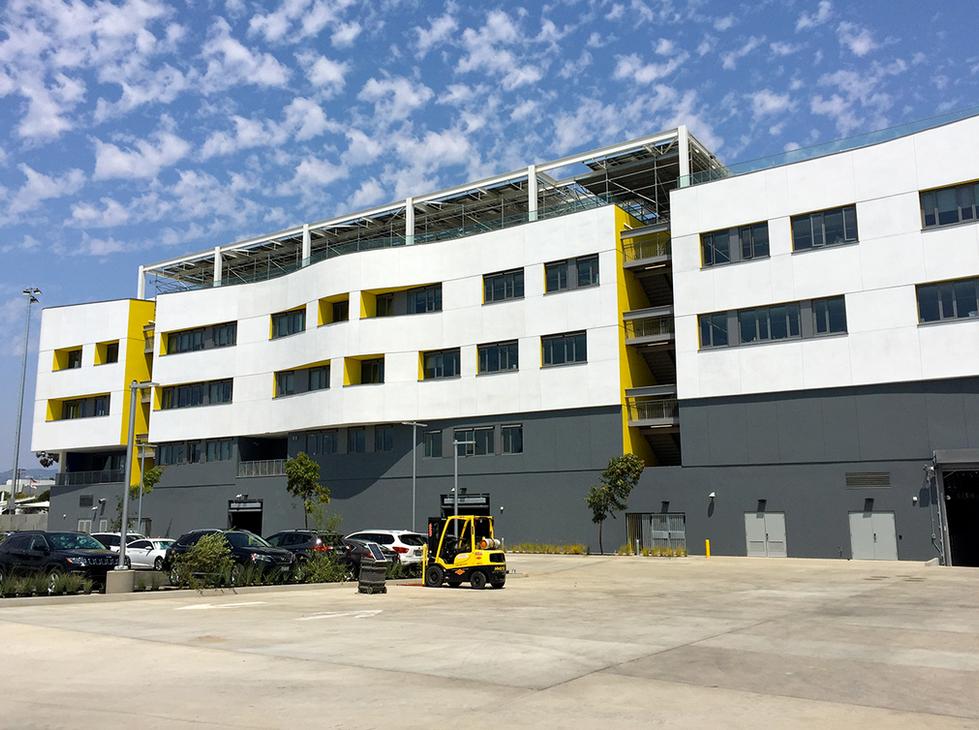 Santa Monica HS Discovery Building Exterior