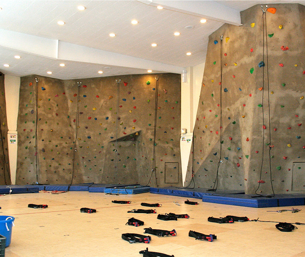 Lincoln Middle School Climbing Wall