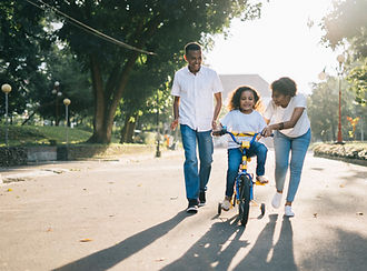 child-couple-cyclist-1128318.jpg
