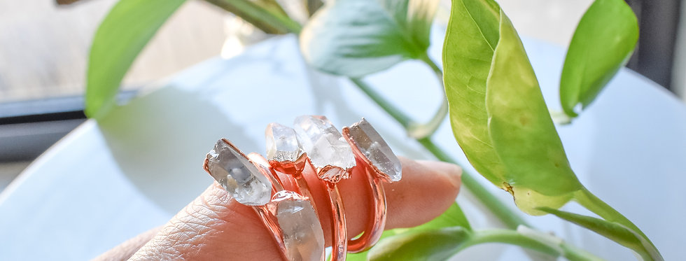 terminated clear quartz copper ring
