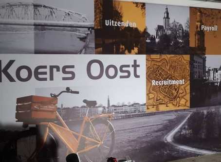 Koers Oost Full Color behang