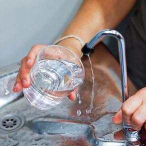 Η Ευρωπαϊκή Επιτροπή θέλει να ενημερώσει τον κατάλογο με τους ρύπους που επηρεάζουν τα ύδατα
