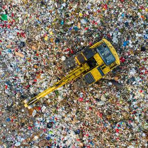 Kατά 32% μειώθηκαν τα πρόστιμα από την ΕΕ για τους παράνομους χώρους ανεξέλεγκτης διάθεσης αποβλήτων