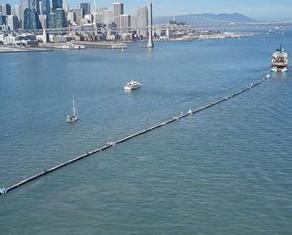Ο πλωτός σωλήνας που θα απομακρύνει τα πλαστικά στον Ειρηνικό