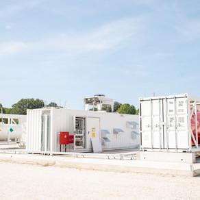 Παρουσιάστηκε η πιλοτική μονάδα παραγωγής και αποθήκευσης υδρογόνου στο Άγκιστρο Σερρών