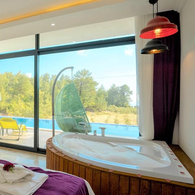 fethiye-jakuzi-masaj-havuzu-sauna-buhar-