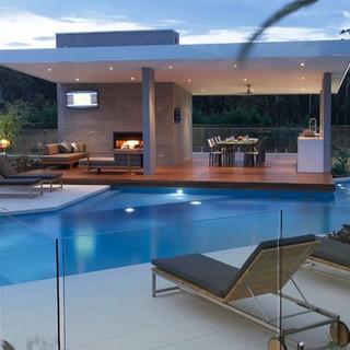 glass-fence-pool