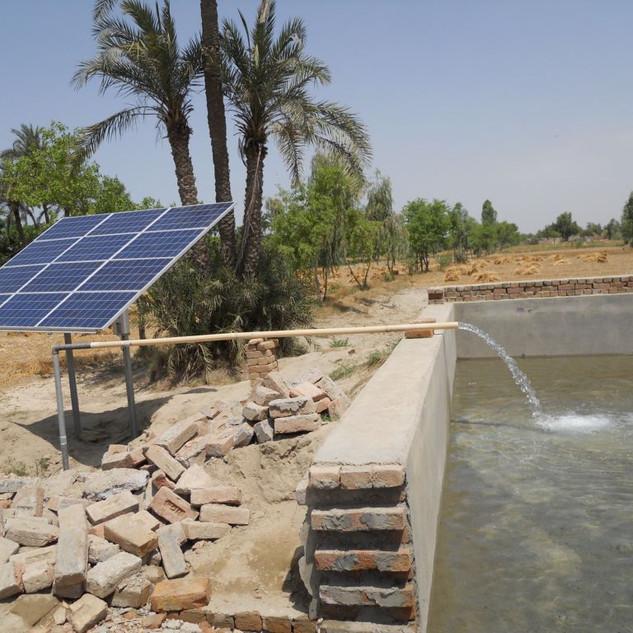 solar-water-pump (1).jpg