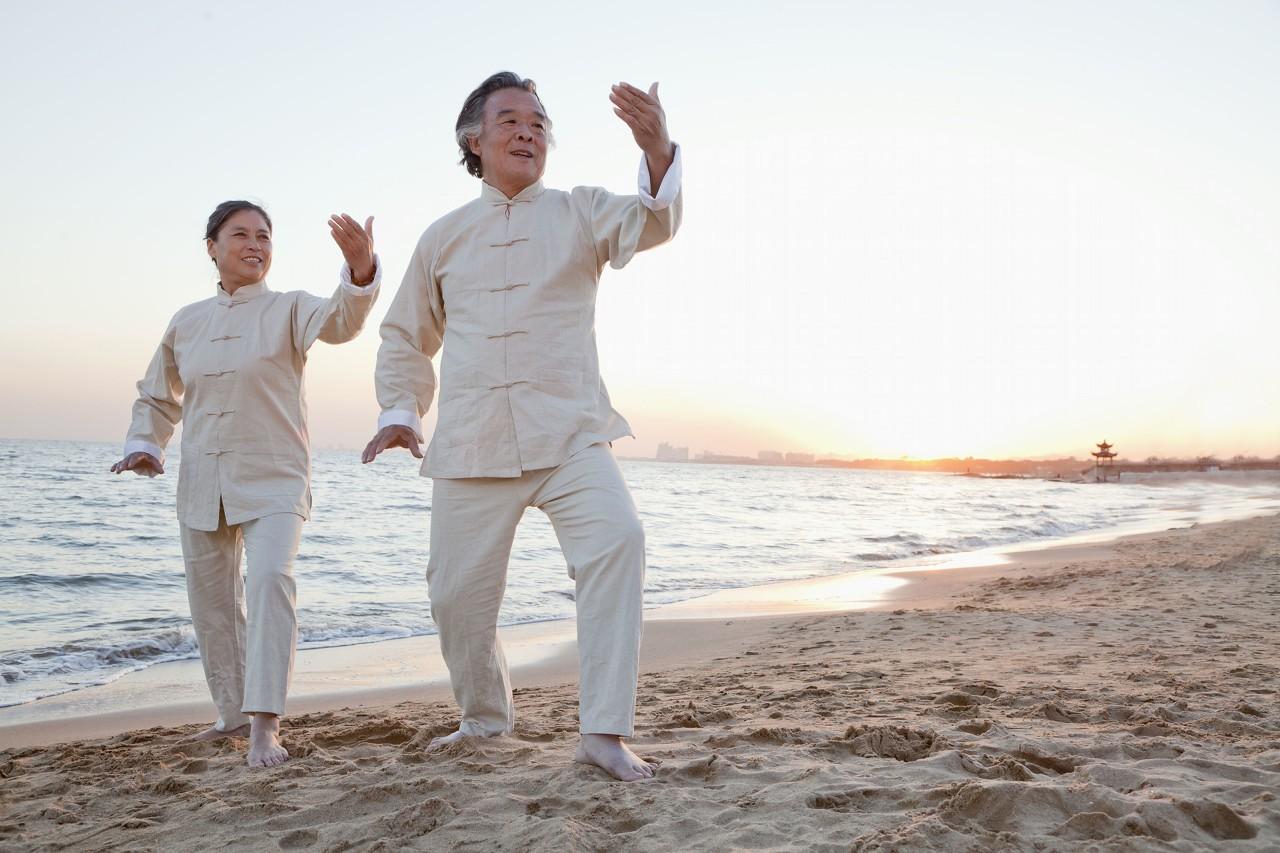 Qigong Practice 健身气功