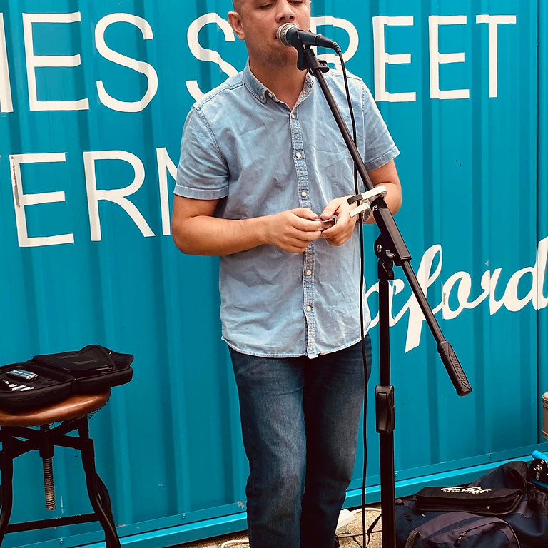 Open Mic: Hosted by Lee Bo
