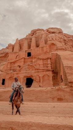 The walk to The Treasury - Petra, Jordan