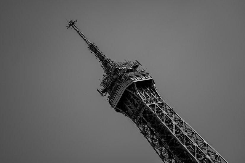 B&W Eiffel