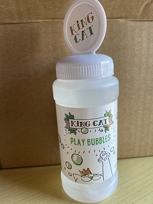 King Cat Play Bubbles