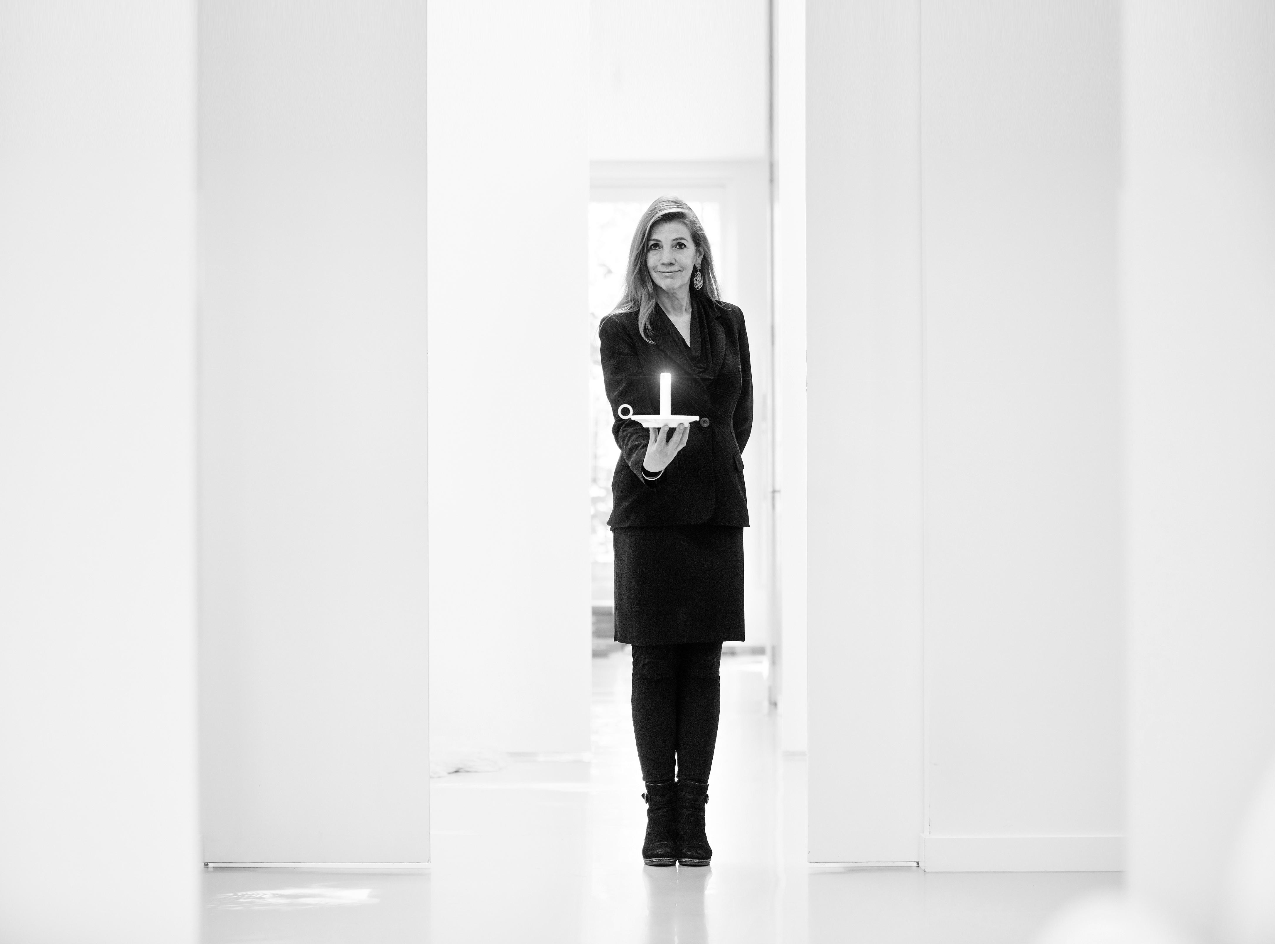 Annet van Egmond_Miss Nightingale