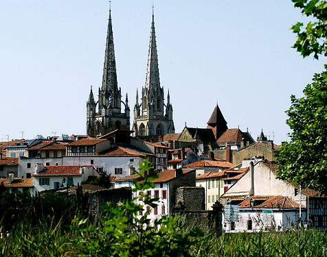 cathedrale_bayonne_-_490x385.png