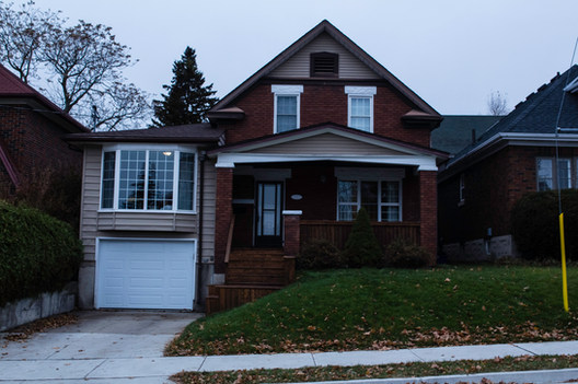 The crew's visit to Moe's childhood home in Kitchener, Ontario