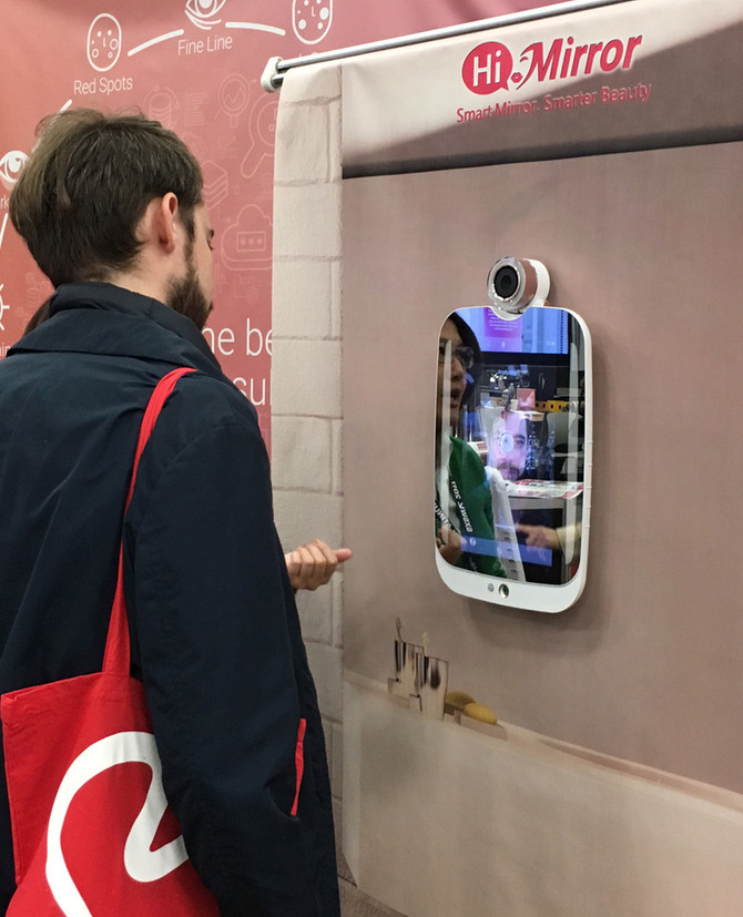 Mirror mirror on the wall – is this the fairest gadget of all?