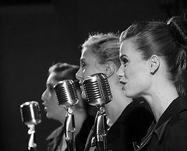 singers-843199_960_720 nb.jpg