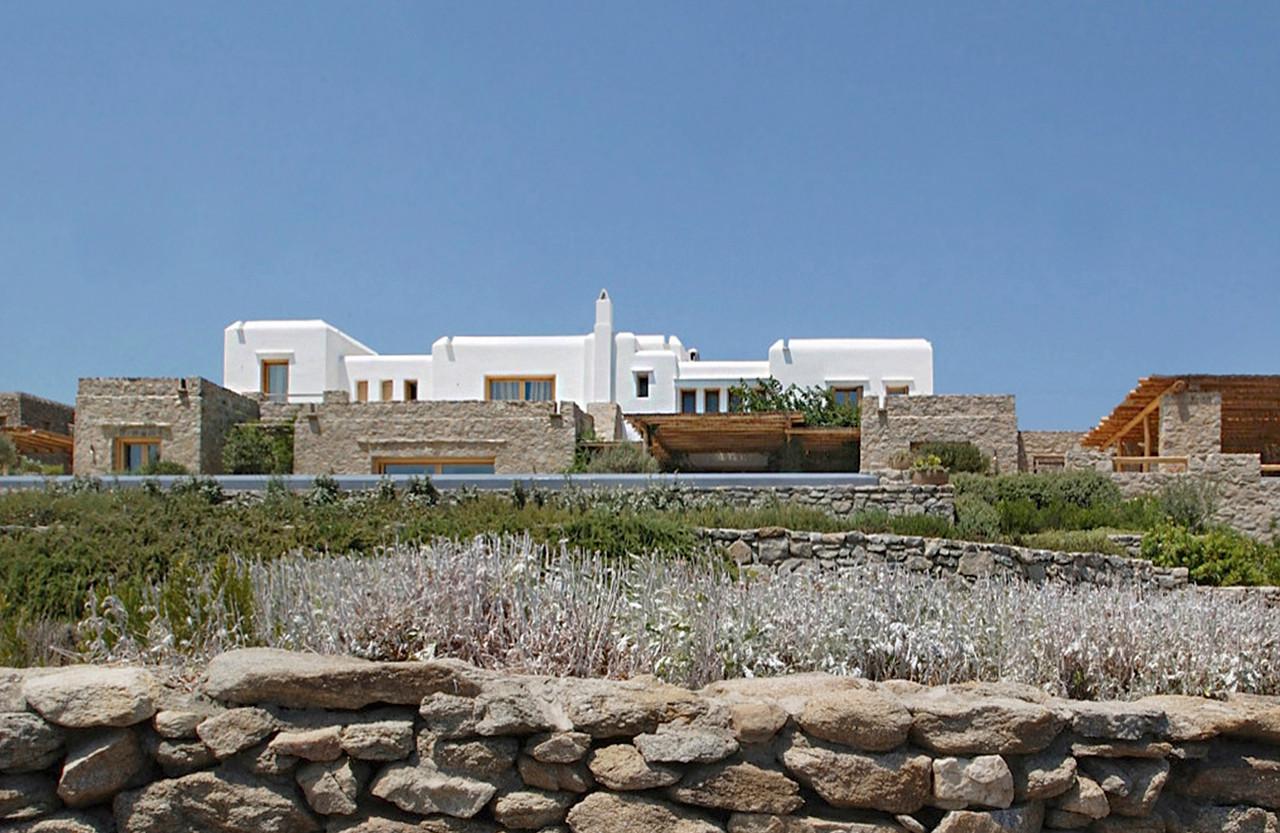 Beachfront residence in Mykonos, 2001