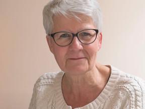 """Le prix """"Servir"""" remis au docteur Suzanne Tartière par le club Rotary Paris Académies"""