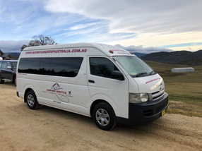 Airport Shuttle Bus Jindabyne.jpg